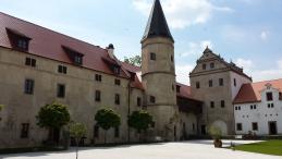 zámek Libouchec.jpg
